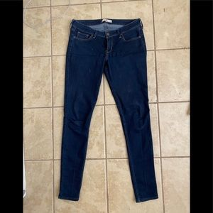 Hollister jeans 9L have some stretch to them